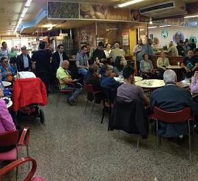 Dimas Gragera se reúne con vecinos de la ciudad en el primer Café-Ciudano