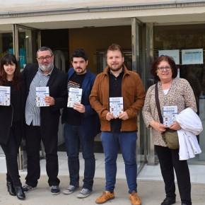 """Ciutadans hace entrega a las Bibliotecas de la ciudad del libro: """"Me gusta Catalunya; Me gusta España""""."""