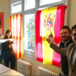 Cs gana el recurso al PSC y repone las banderas oficiales en el despacho del Ayuntamiento de Santa Coloma