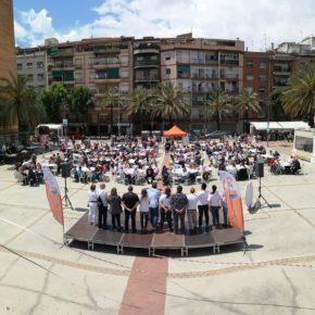 Ciudadanos Santa Coloma reúne a más de 400 personas en el acto central de campaña en la Plaza Pau Casals